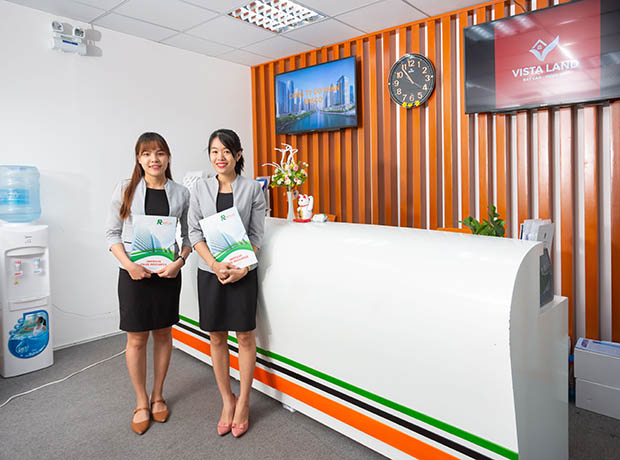 Quầy lễ tân của dịch vụ văn phòng ảo quận 1 tphcm