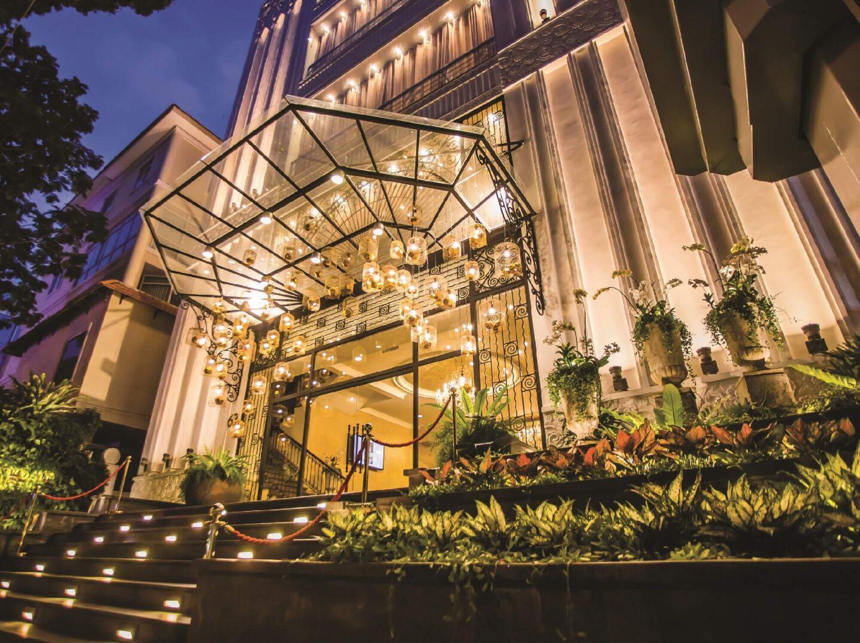 Nhà hàng tổ chức tất niên Gala Royale với không gian sang trọng