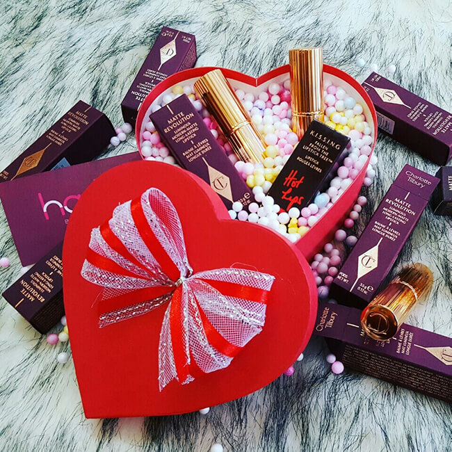 Mỹ phẩm luôn là sản phẩm cháy hàng mỗi dịp valentine